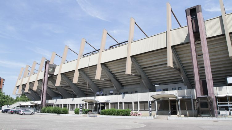 La banderole a été déployée au début de la rencontre de National entre Strasbourg et Colmar, vendredi 25 septembre 2015, au stade de la Meinau à Strasbourg (Haut-Rhin). (  MAXPPP)