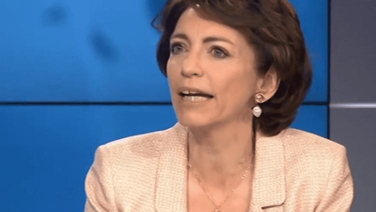 """La ministre des Affaires sociales Marisol Touraine estime que le geste gouvernemental promis par Manuel Valls bénéficiera aux retraites situées """"autour de 1000 euros"""", dimanche 27 avril sur France 3. ( FRANCE 3 / FRANCETV INFO)"""