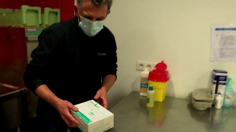 En Meurthe-et-Moselle, les centres de vaccination contre le Covid-19 manquent de doses. (FRANCEINFO)