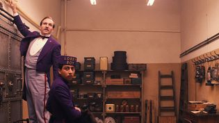"Ralph Fiennes et Tony Revolory dans ""The Grand Budapest Hotel""   (Twentieth Century Fox France )"
