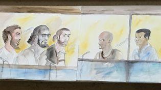 """Desaccusésde la """"filière de Strasbourg""""lors de leur procès, à Paris, le 30 mai 2016. (ELISABETH DE POURQUERY / FRANCETV INFO)"""