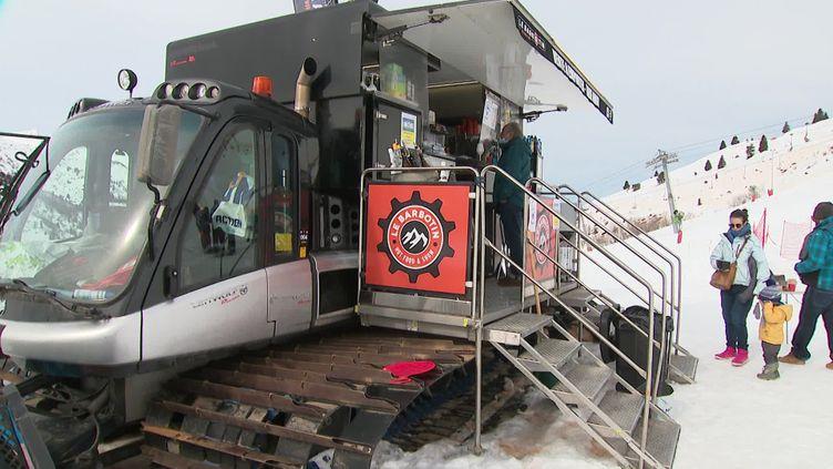 Le food truck s'est installé à 1 900 mètres d'altitude. (FRANCE 3)