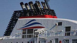 """Le bateau """"Berlioz"""" de MyFerryLink à quai à Calais (Pas-de-Calais), le 30 juin 2015. (VINCENT KESSLER / REUTERS)"""
