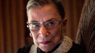 États-Unis : Ruth Bader Ginsburg, doyenne de la Cour suprême, s'est éteinte à 87 ans (FRANCE 3)