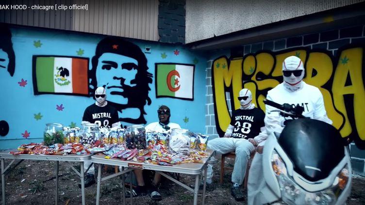 """Capture d'écran du clip à l'origine de l'opération de police à Grenoble (Isère). (CAPTURE D'ECRAN """"CORBAK HOOD"""" YOU TUBE)"""
