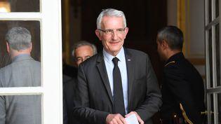Le patron de la SNCF, Guillaume Pepy, après une réunion à Matignon, le 7 mai 2018 à Paris. (CHRISTOPHE ARCHAMBAULT / AFP)