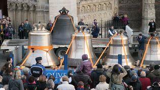 L'arrivée des cloches à Notre-Dame de Paris (31/01/2013)  (Jacques Demarthon / AFP)
