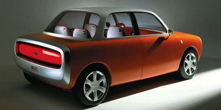 Ford 021C, le prototype de voiture dessiné par Marc Newson pour Ford en 1999.  (http://www.marc-newson.com/)