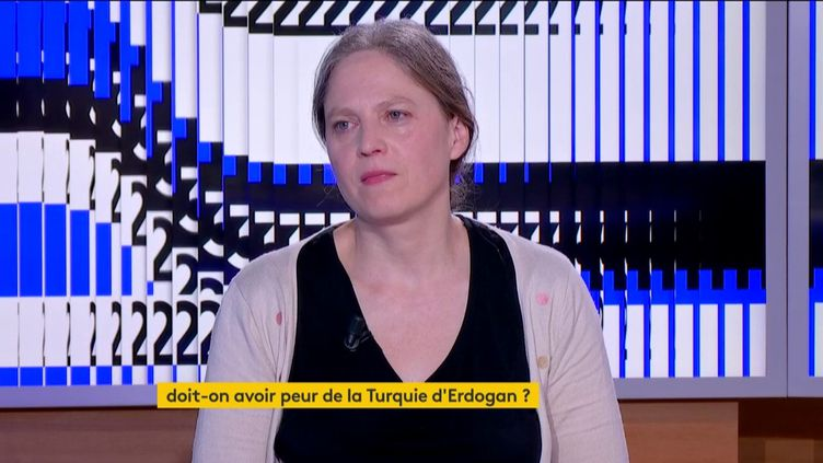 Dorothée Schmid (FRANCEINFO)