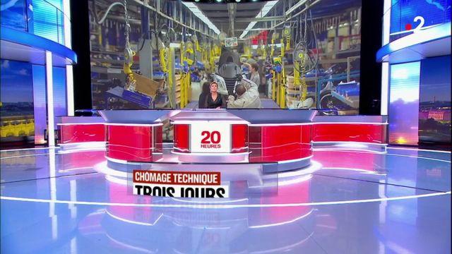 Des employés au chômage technique dans une usine Peugeot