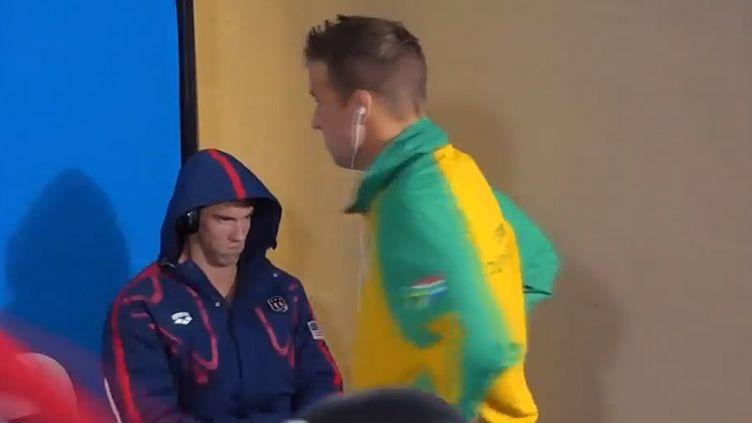 Le regard noir de Michael Phelps dans la chambre d'appel