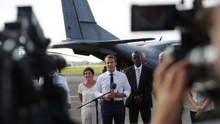 Le président français Emmanuel Macron, le 12 septembre 2017 à Pointe-à-Pitre (Guadeloupe). (CHRISTOPHE ENA / AP / SIPA)