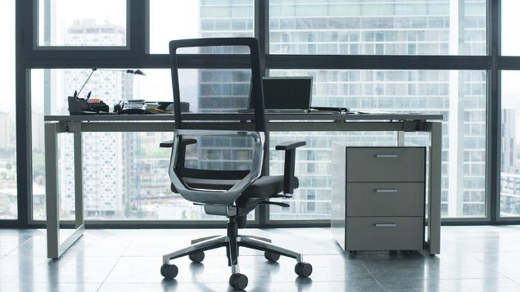 (© Maxppp  Ces entreprises qui sous-louent leurs bureaux à des nomades du travail)