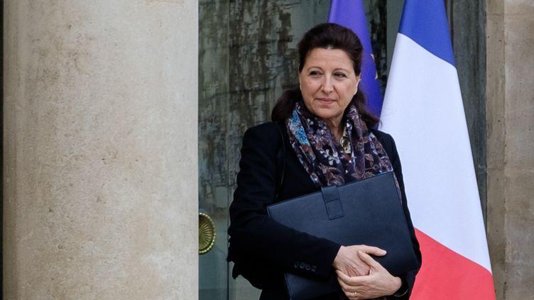 La ministre de la Santé, Agnès Buzyn, quitte le palais de l'Elysée, à Paris, le 29 janvier 2020. (UGO PADOVANI / HANS LUCAS / AFP)