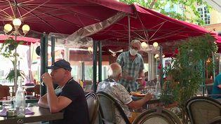 Aix-en-Provence : le Covid-19 entraîne la fermeture de plusieurs restaurants (France 3)