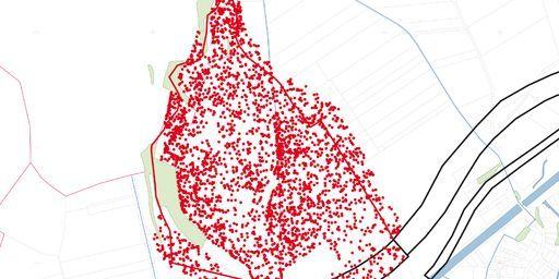 Carte d'une zone de 80 ha, dans la région d'Allaines (Somme) dans laquelle les appareils de détection ont repéré quelque 3500 «anomalies» magnétiques correspondant à des pièces comme des obus. Les points rouges correspondent auxdites «anomalies»... (INRAP)