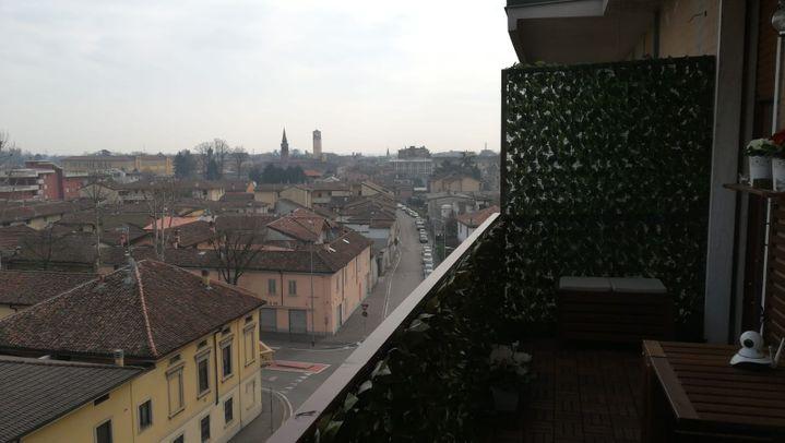 La vue depuis la fenêtre d'une habitante de Codogno (Italie), le 23 février 2020. (ANGELA TERRAMEA / FRANCEINFO)