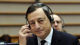 Le président de la Banques centrale européenne Mario Draghi au Parlement européen à Bruxelles (Belgique), le 1er décembre 2011. (THIERRY CHARLIER / AFP)