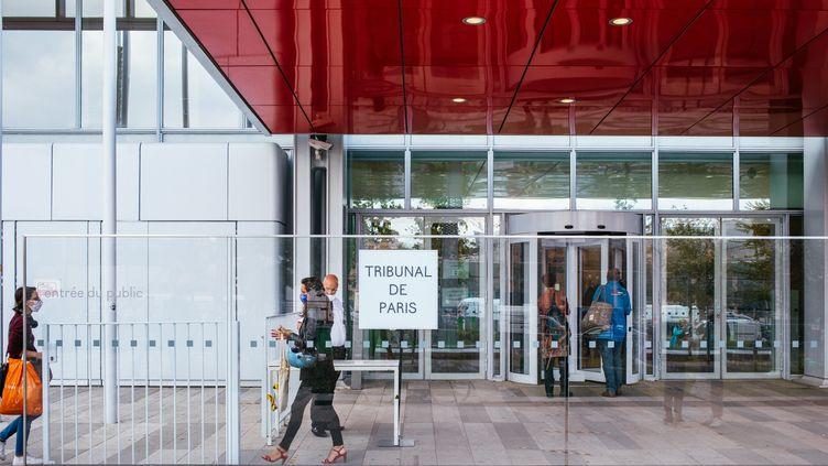 Le tribunal de Paris où se tient le procès des attentats de janvier 2015, à la Porte de Clichy, le 1er septembre 2020 (photo d'illustration). (MATHIEU MENARD / HANS LUCAS / AFP)