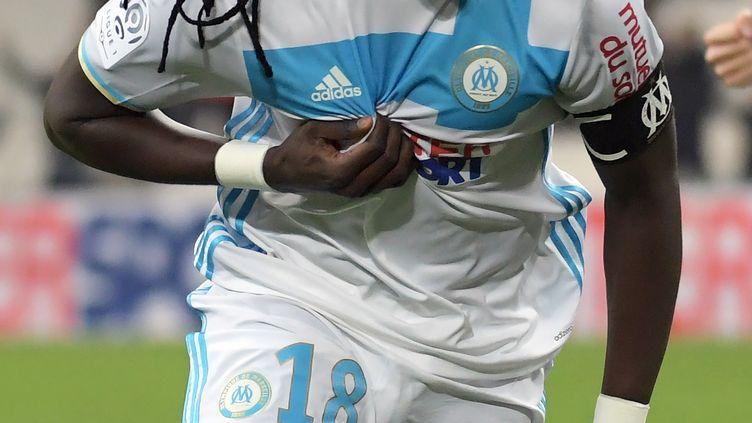 Bafétimbi Gomis tout à sa joie avec Marseille (ANNE-CHRISTINE POUJOULAT / AFP)