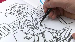 Le dessinateur Dadou croque les traits du professeur Raoult dans sa BD Chloro King. (FRANCEINFO)