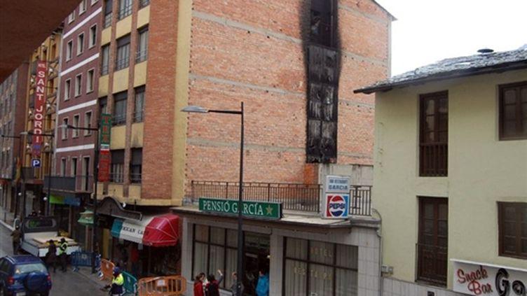 L'hôtel Normandie qui a pris feu à Andorre. 24/02/10 (AFP Albert Roig)