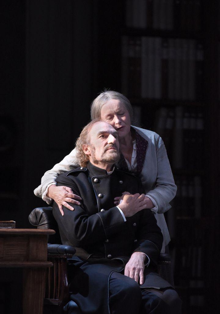 """Michel Vuillermoz et Martine Chevallier dans """"Père""""  (Vincent Pontet)"""
