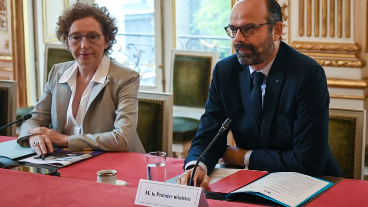 La ministre du Travail, Muriel Pénicaud, et le Premier ministre, Edouard Philippe, le 18 juin 2019 à Matignon, à Paris. (LUCAS BARIOULET / POOL / AFP)