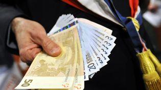 La région Ile-de-France compte le plus d'affaires de corruption, selon le classement établi par l'ONG Transparency International, le 9 décembre 2014. (  MAXPPP)