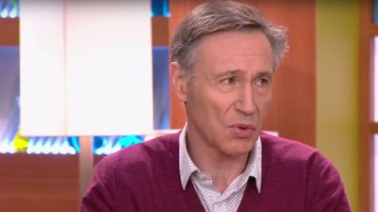 """Le pneumologue Michel Aubier dans l'émission """"Allô docteurs"""", le 1er mars 2016, sur France 5. (FRANCE 5)"""
