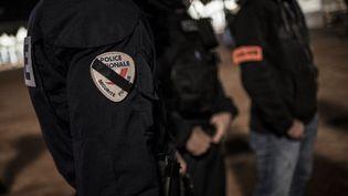 Des policiers à Lyon, le 20 octobre 2016. Photo d'illustration. (JEFF PACHOUD / AFP)