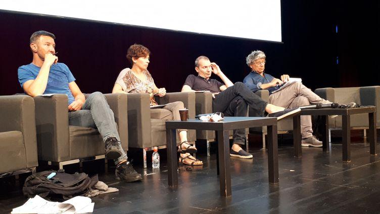 Olivier Besancenot, David Cormand et Éric Coquerel à une conférence organisée par Attac organisée en ouverture du contre-sommet du G7. (OMAR OUAHMANE / RADIO FRANCE)