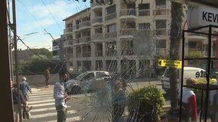C'est une nuit de violences qui s'est déroulée dans le quartier de la Gabelle, à Fréjus (Var), samedi 8 mai.Les forces de l'ordre ont étéprisesàpartiepar une cinquantaine d'individus. (CAPTURE ECRAN FRANCE 2)
