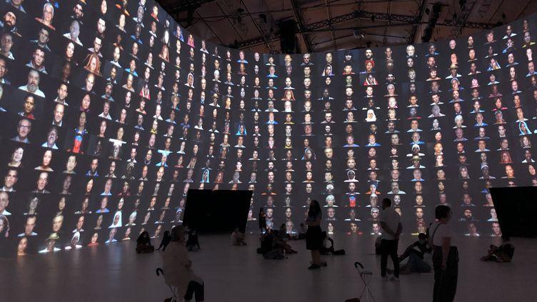 Dans le cadre du projet Jam Capsule à la Villette, Legacy de Yann Arthus-Bertrand interpelle sur l'ugence climatique. (FRANCEINFO CULTURE / Marine Langlois)