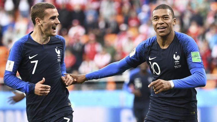 Les Bleus entament la deuxième phase du Mondial (ANNE-CHRISTINE POUJOULAT / AFP)