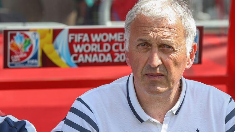 L'entraîneur des Bleues Philippe Bergeroo (ANDRE RINGUETTE / GETTY IMAGES NORTH AMERICA)