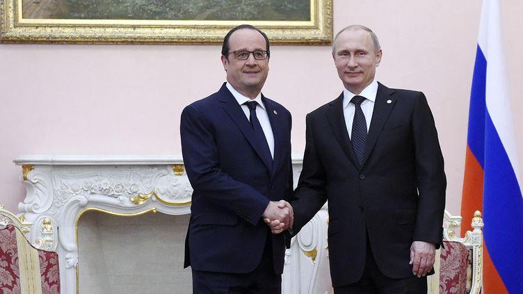 François Hollande et Vladimir Poutine se sont rencontrés à Erevan (Arménie), vendredi 24 avril 2015. (ALAIN JOCARD / AFP)