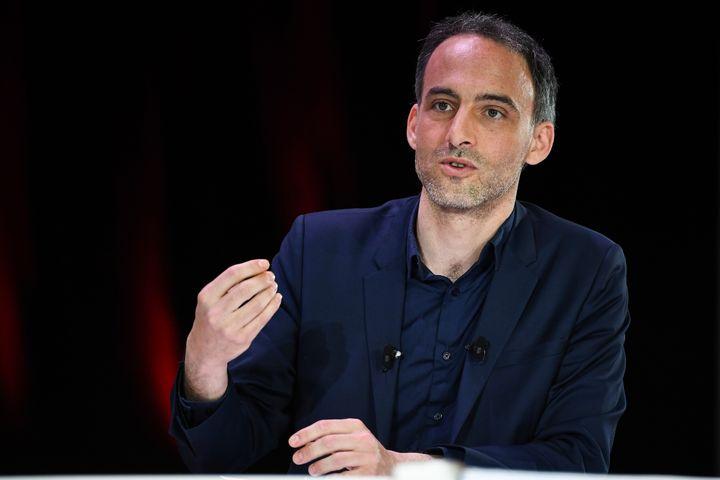 Raphaël Glucksmann, tête de liste Parti socialiste, le 11 avril 2019 à Paris. (ANNE-CHRISTINE POUJOULAT / AFP)
