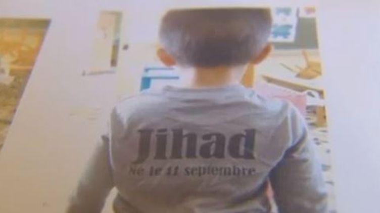 """Jihad, 3 ans,s'était présenté à l'école de Sorgues (Vaucluse) fin septembre 2012 avec ce tee-shirt. Devant, était inscrit la mention """"Je suis une bombe"""". (FRANCE 3 )"""