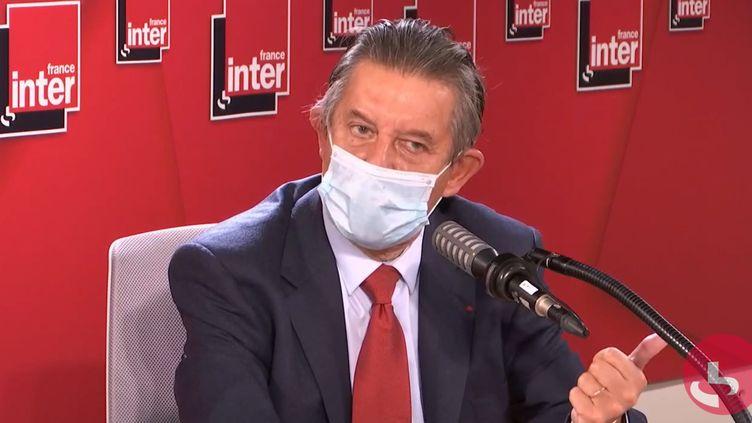 Jean-Pierre Jouyet, haut fonctionnaire, ancien secrétaire général de l'Élysée (sous François Hollande), ancien directeur du Trésor, sur France Inter le 8 octobre 2020. (FRANCEINTER / RADIOFRANCE)
