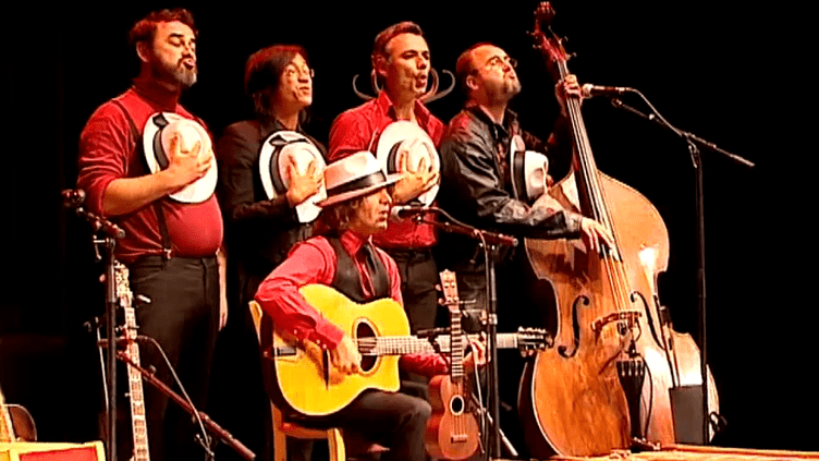 Opa Tsupa pour le dernier concert à Jaunay-Clan.  (France 3 / capture d'écran)
