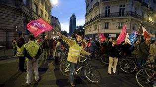 Des manifestants anti-mariage pour tous lors de la manifestation du 18 avril à Paris. (JEAN-SEBASTIEN EVRARD / AFP)