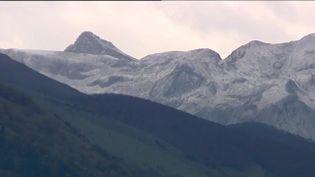 Un fin manteau blanc a recouvert les montagnes au dessus de 1600m. ( FRANCE 3)