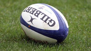 Jacques Mombet, médecin du XV de France de 1975 à 1995, affirme que le dopage est présent depuis longtemps dans le rugby. (SEBASTIEN RABANY / PHOTONONSTOP / AFP)