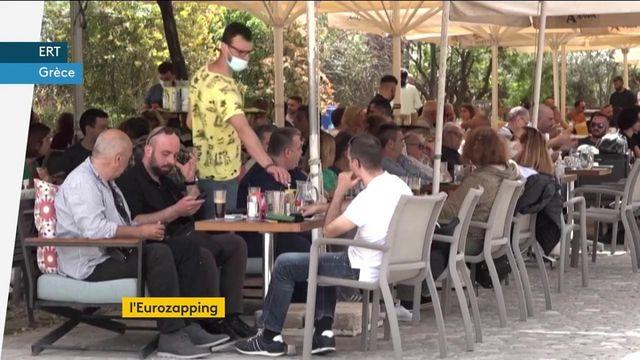 Eurozapping : vaccin en Grèce, masque en Italie et politique britannique…