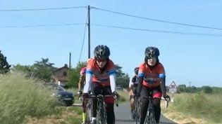 Elles sont Afghanes, elles ont 20 ans, elles sont sœurs et elles rêvent de cyclisme. Mais dans leur pays, la pratique de ce sport est strictement interdite aux femmes. C'est en Bretagne qu'elles sont venues poursuivre leur ambition. (France 2)