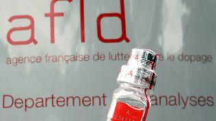 L'Agence Française de Lutte contre le Dopage responsable de la politique antidopage sur le Tour de France, le 27 juin 2008. (JOEL SAGET / AFP)