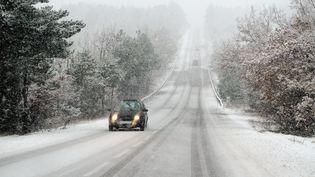 Les départements de l'Ardèche, de la Drôme et du Vaucluse ont été placés en vigilance orange neige et verglas, mercredi 25 janvier. (MAXPPP)