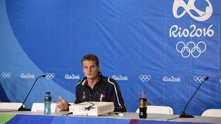 Le nageur Yannick Agnel, en conférence de presse aux Jeux olympiques de Rio, mercredi 10 août 2016. (STEPHANE KEMPINAIRE / DPPI MEDIA / AFP)