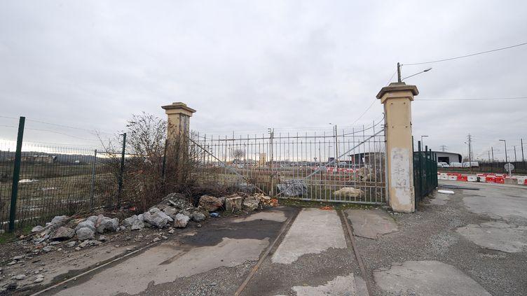 Photo prise le 2 février 2009 des vestiges du site de l'usine AZF de Toulouse,qui a explosé le 21 septembre 2001. (ERIC CABANIS / AFP)